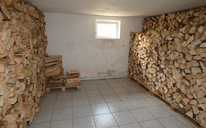Holzlagerkeller