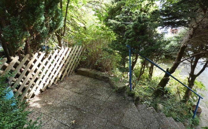 Treppe in den oberen Garten